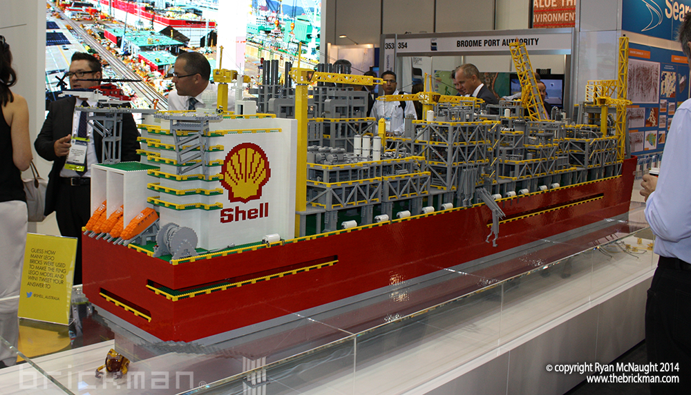 Shell LPG Refinery Ship Display 04