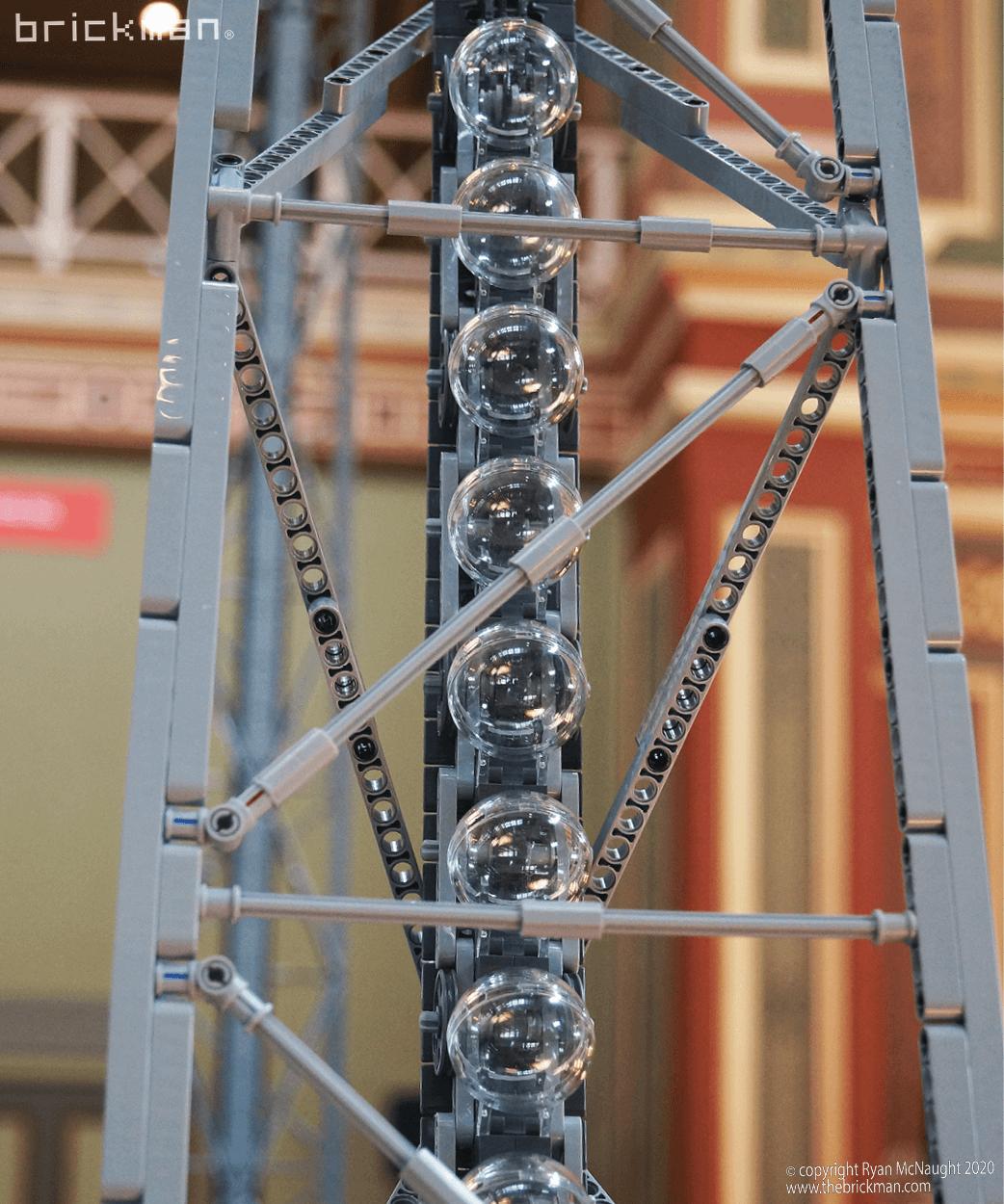 LEGO Technic Gateway Arch Trams 02