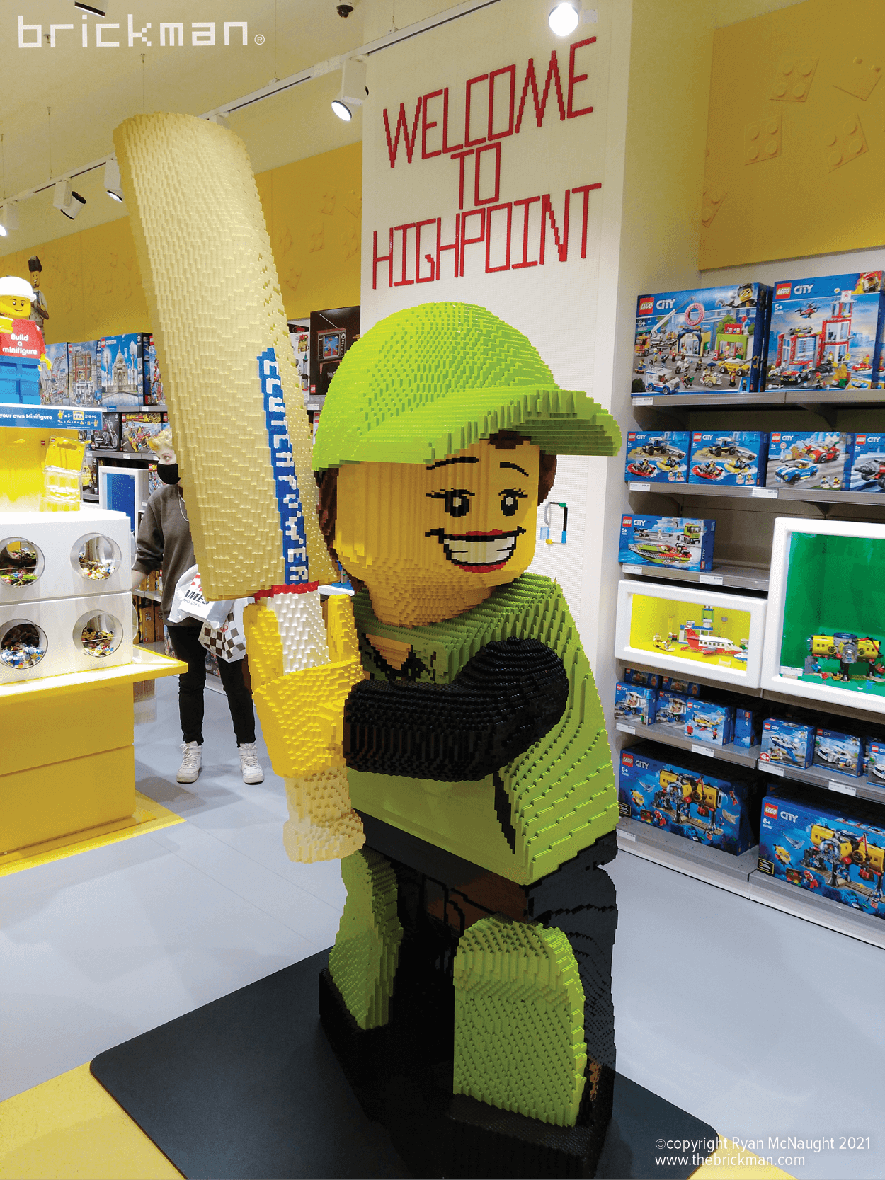 Highpoint Cricket LEGO minifig instore01