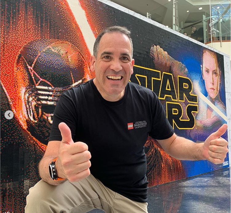Building NZ's largest LEGO® brick mosaic for LEGO Star Wars 20th Anniversary!