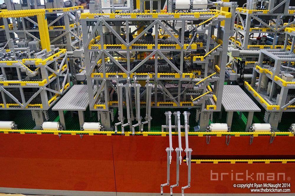 Shell LPG Refinery Ship Display 02